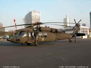 UH-60_8204.JPG (74720 octets)