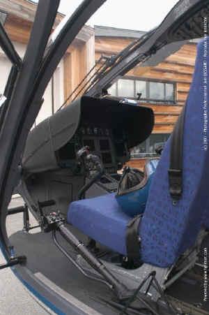 cockpitJB.jpg (103473 octets)