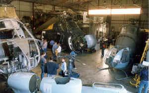 hangar.jpg (48923 octets)